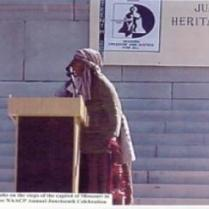 Melissa Waddy-Thibodeaux as Harriet Tubman speaks on the steps of the capitol of Missouri in Jefferson City, MO for NAACP Annual Juneteenth Celebration - June 15, 2002
